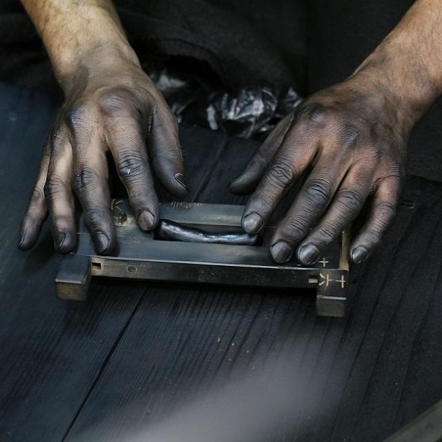 「筆ぺん」の呉竹。革新的な商品の根底には、「奈良墨」の伝統技術があった