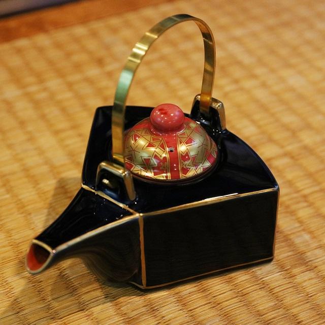 【美濃焼】伊勢神宮の式年遷宮のごとく。伝統技術の継承に尽力する「蔵珍窯」のものづくり