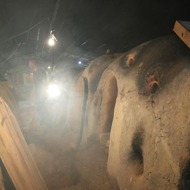 【益子焼】昔ながらの登り窯で焼成する表情豊かなうつわ。「大誠窯」七代目・大塚誠一さん。