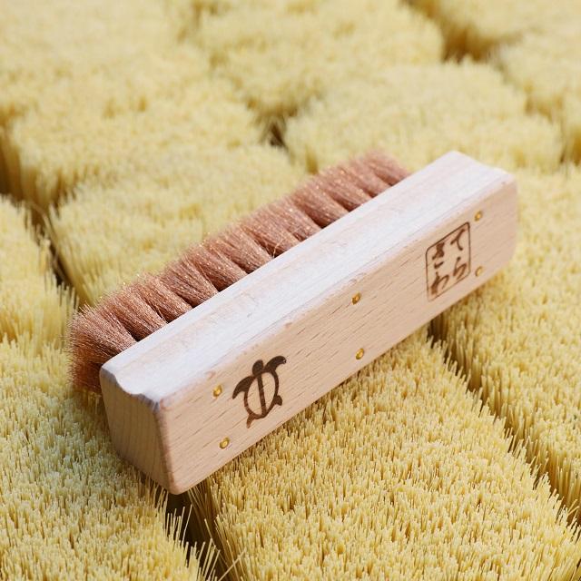 最先端の機械にも使われる!日本のものづくりを支える下町生まれの手植えブラシ